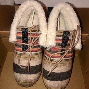 Pendleton women's cabin fold slipper